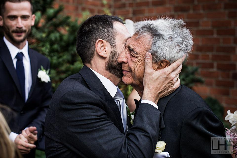 wzruszająca fotografia ślubna pełna emocji szczecinek