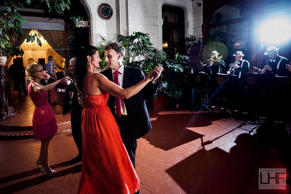 Zabawa weselna w Stzrekęcinie