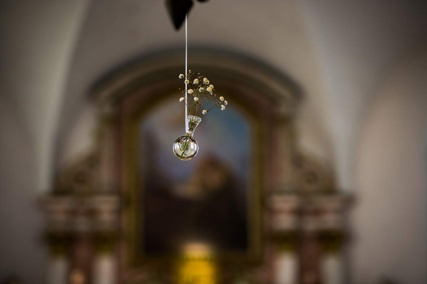 dekoracja ślubna w kościele