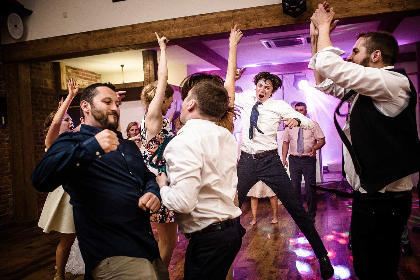 pełna dynamiki fotografia z imprezy