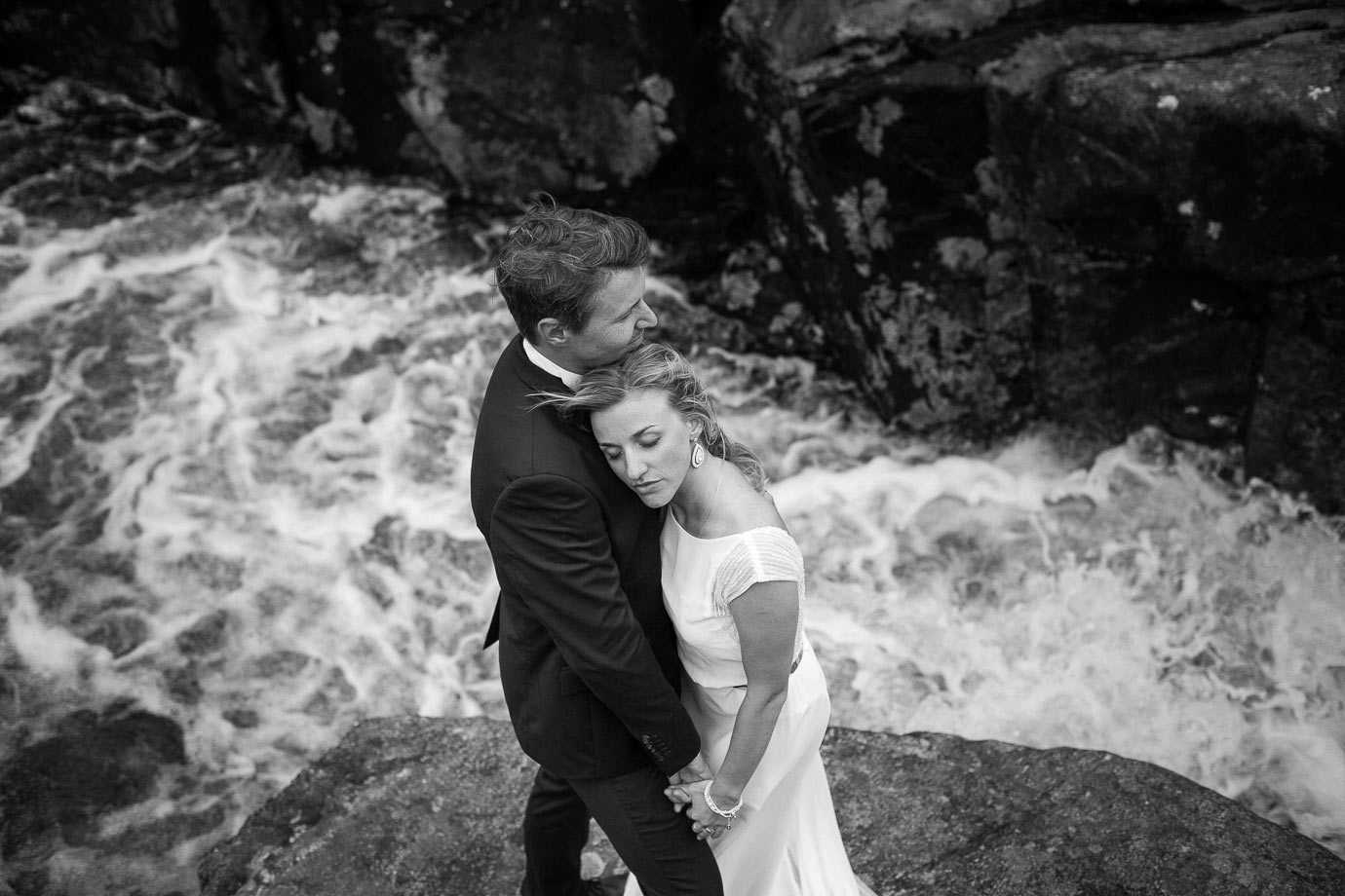 zdjęcia ślubne nad rzeką