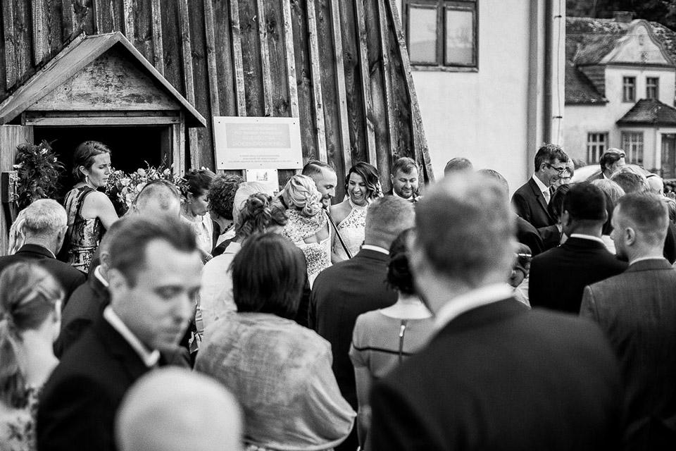 drewniany kosciół na ślub
