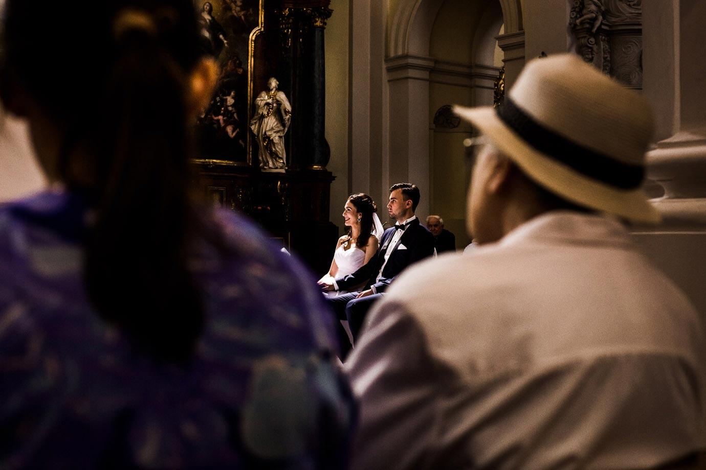 ślub w pięknym kościele