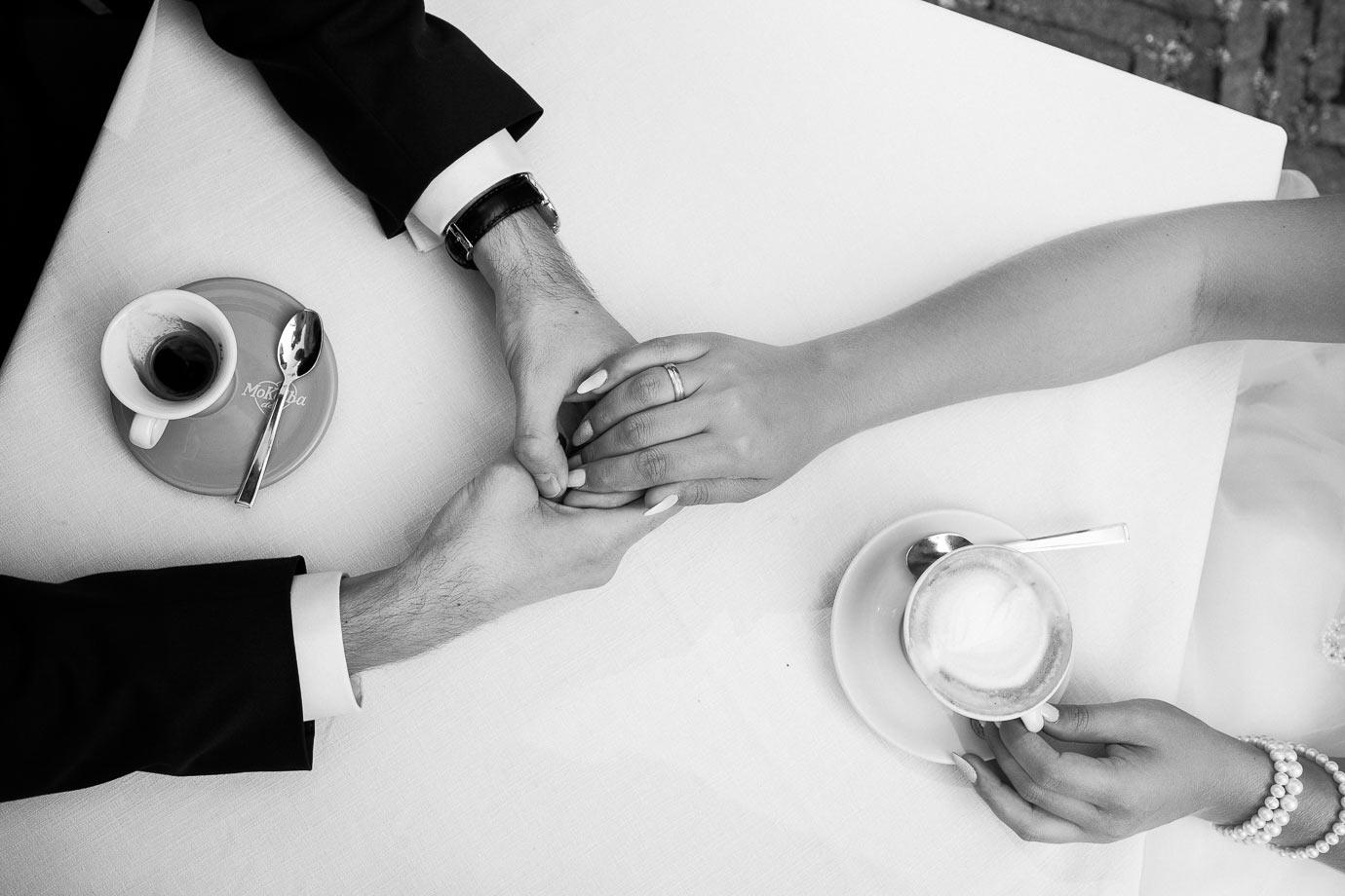sesja ślubna przy kawie