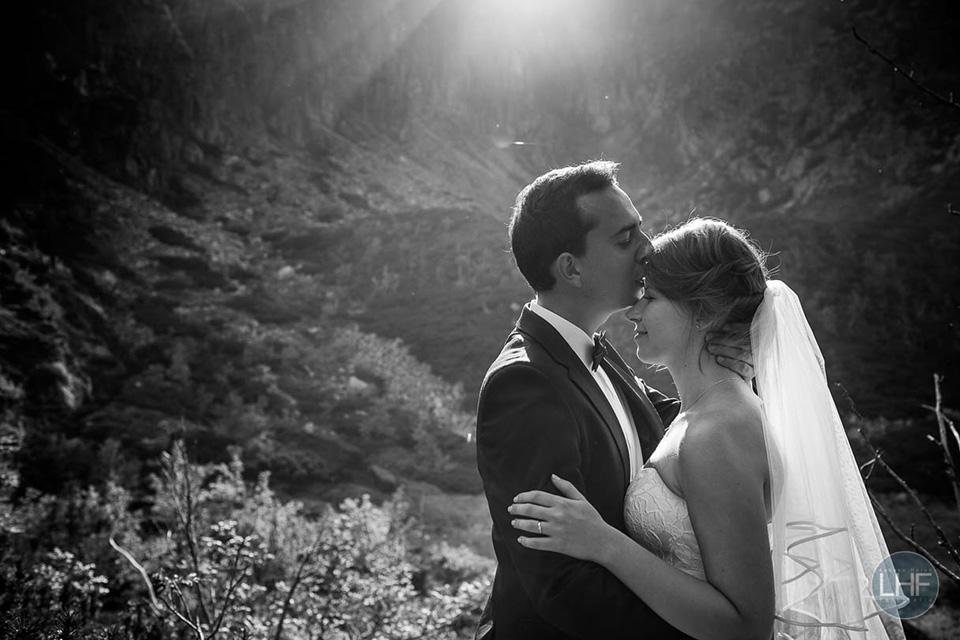 fotografia ślubna na śnieżnych ktłach