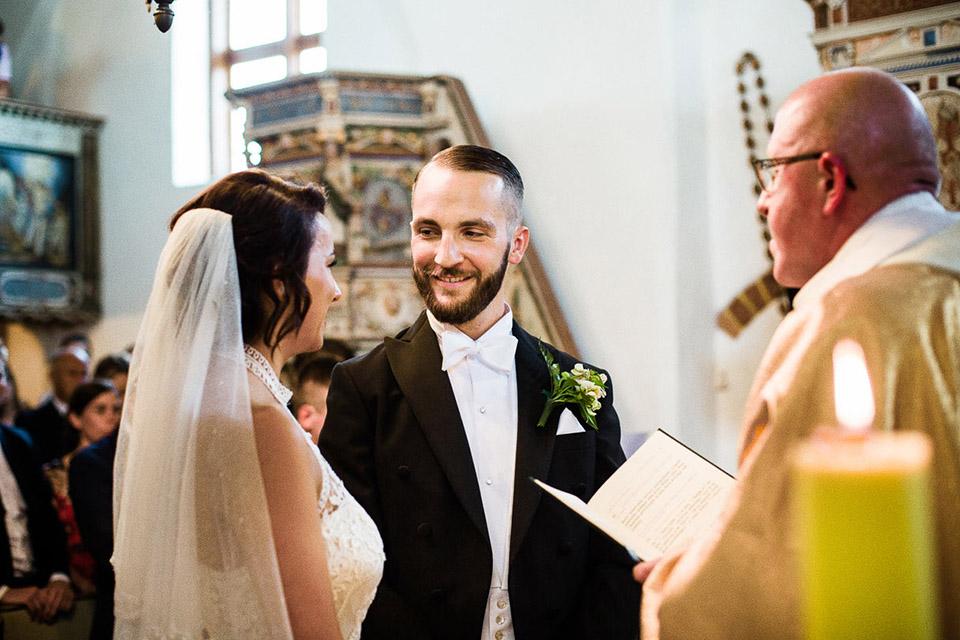 radosna fotografia ślubna