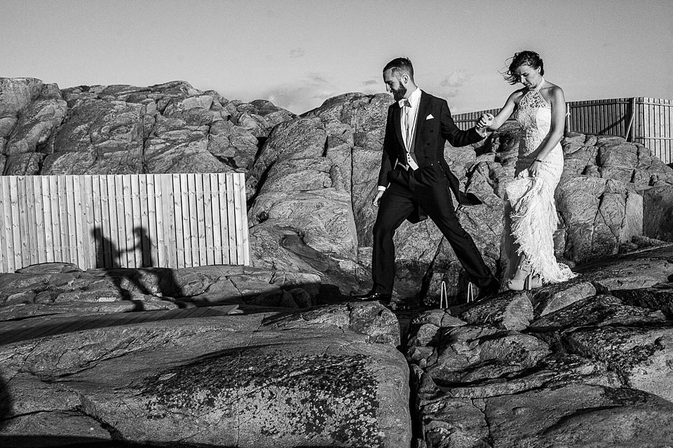 sesja ślubna w formie spaceru