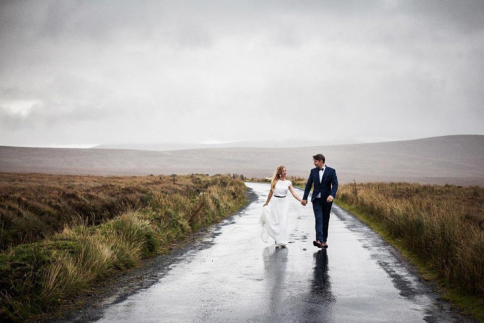 zaangażowany fotograf ślubny