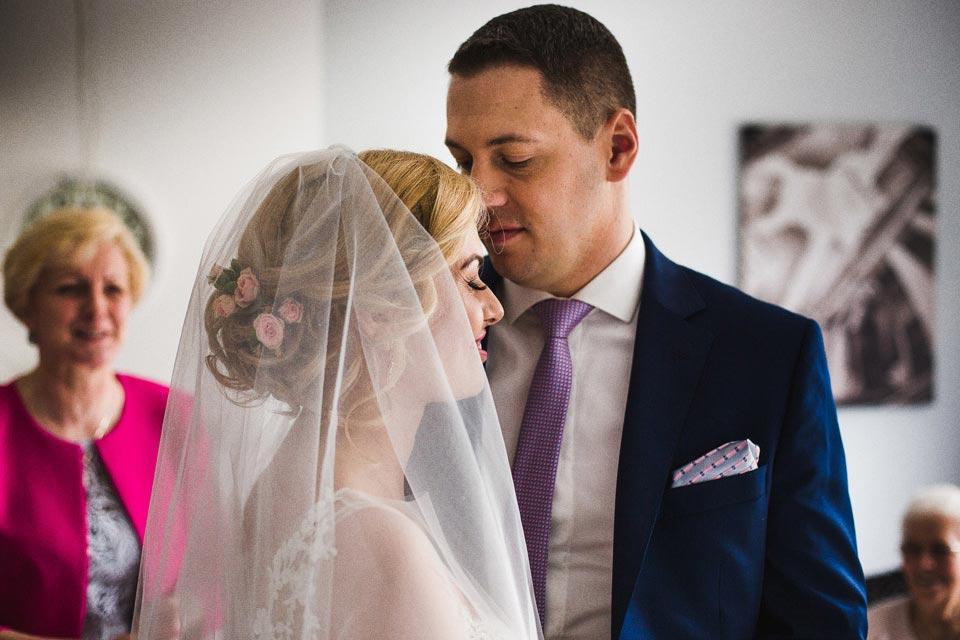 chwile wzruszenia podczas ślubu