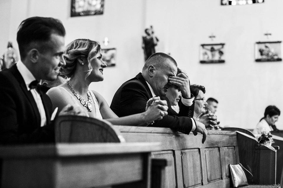 łzy podczas ślubu