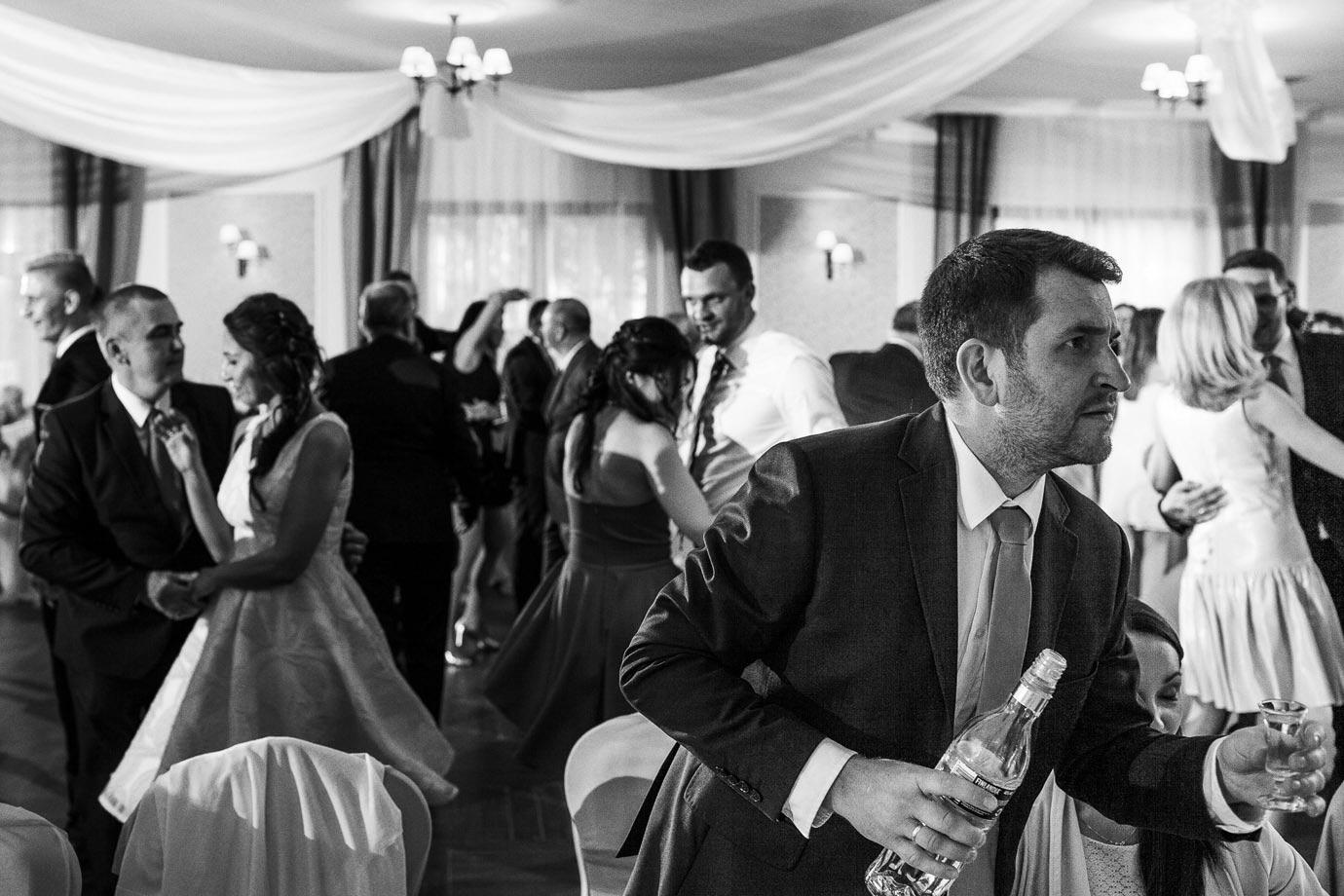 alkochol podczas wesela