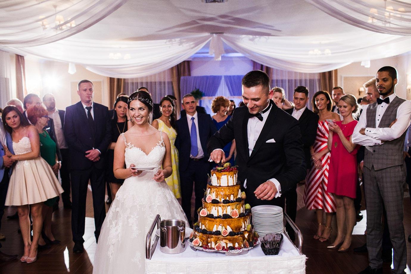 nietypowy tort ślubny