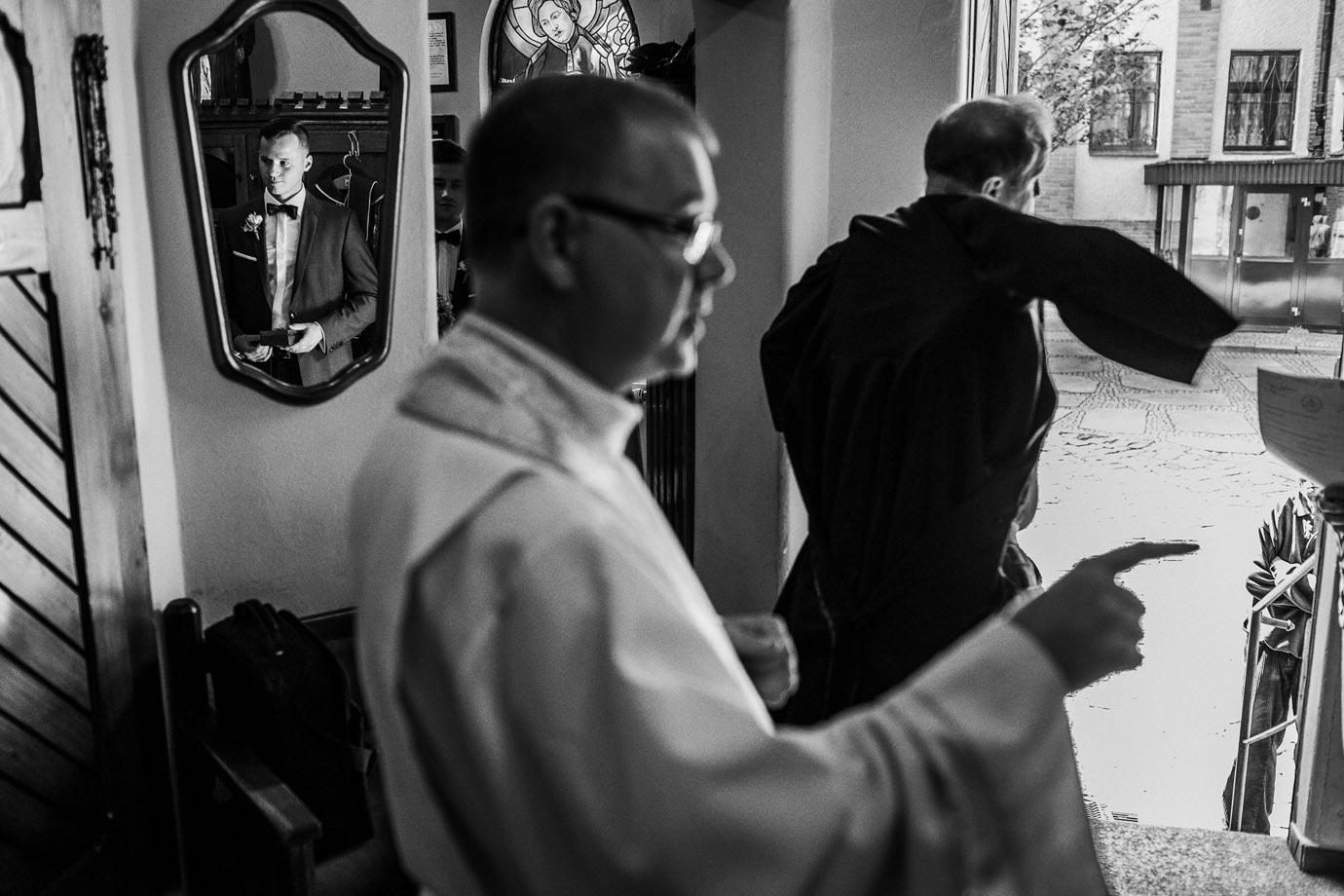 wybór księdza do ślubu