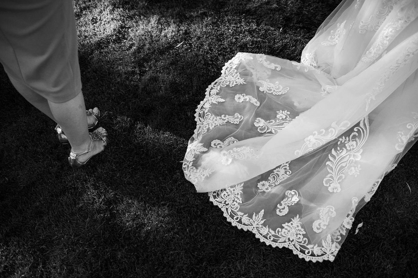 tren sukni ślubnej