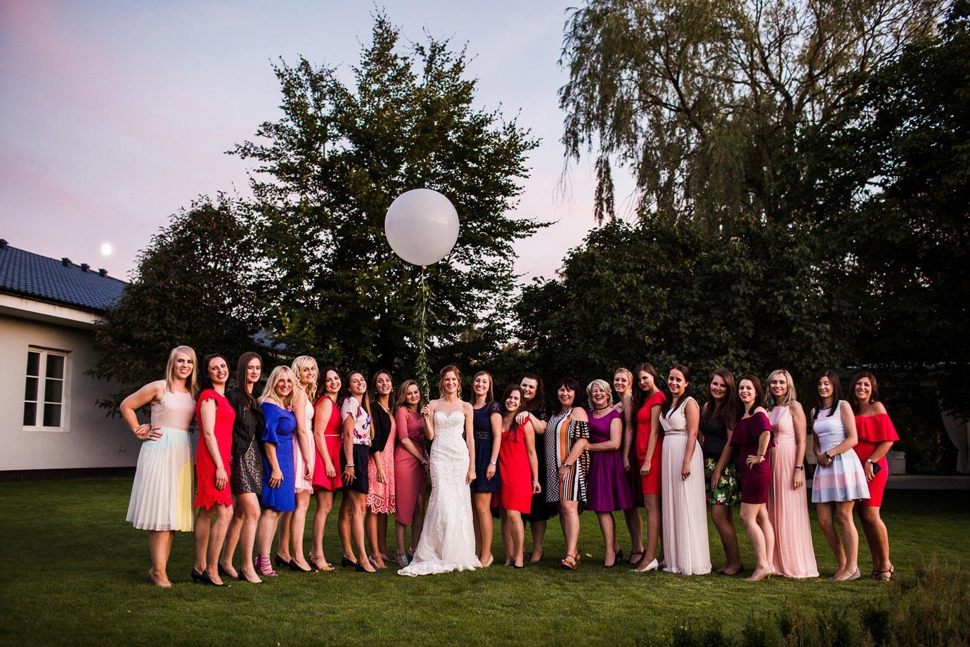 sesja z koleżankami na weselu