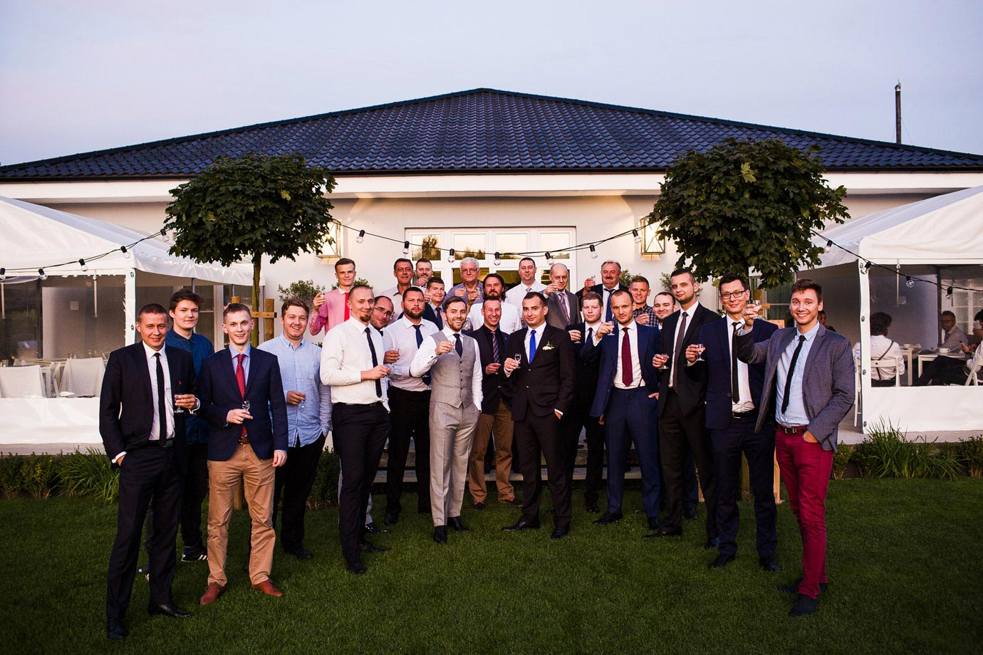 sesja z kolegami na weselu