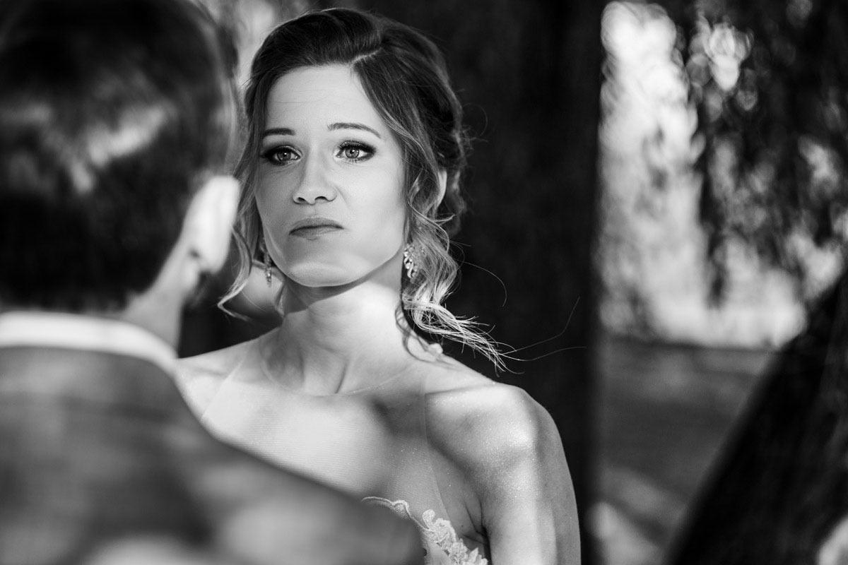 biała wstążka - ślub plenerowy