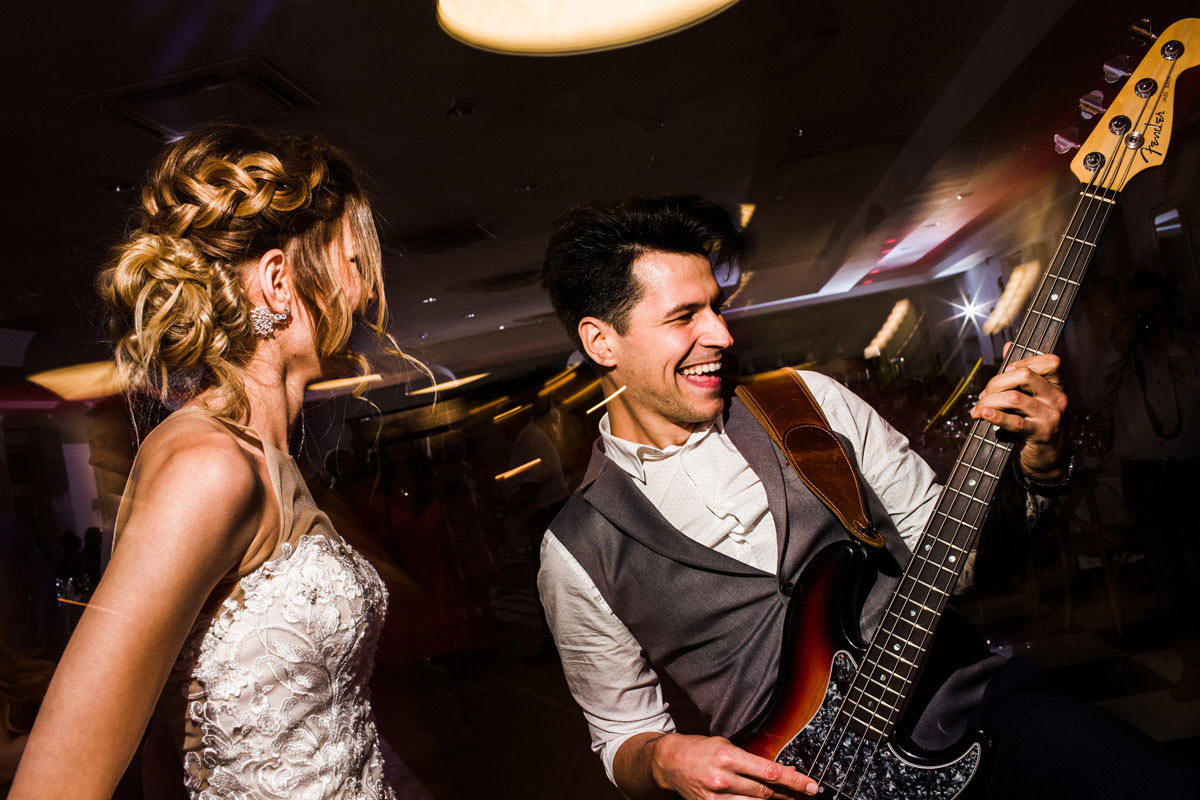 biała wstążka wesele