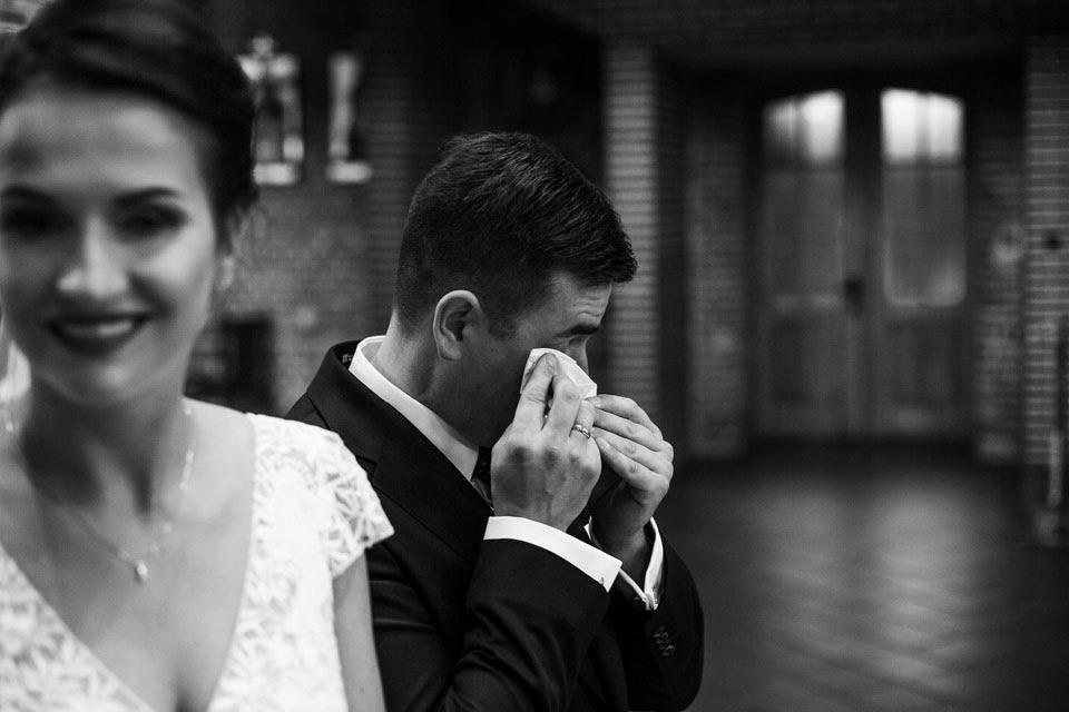 wzruszenie podczas ślubu