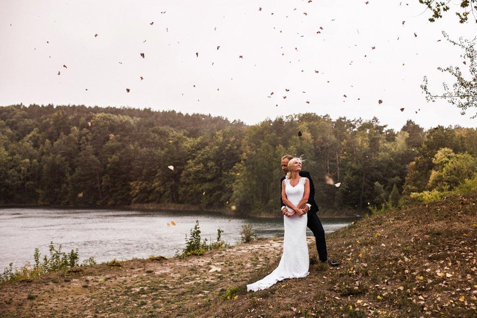 sesja ślubna w wietrzny dzień