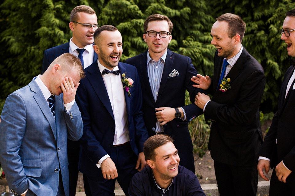 faceci na weselu