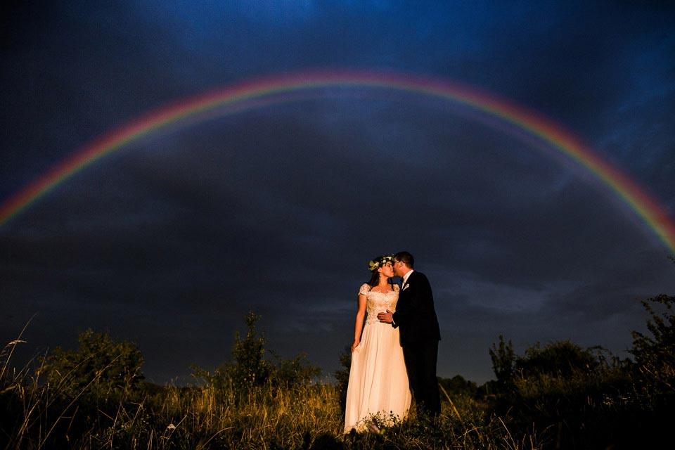 zdjęcia ślubne z tęczą