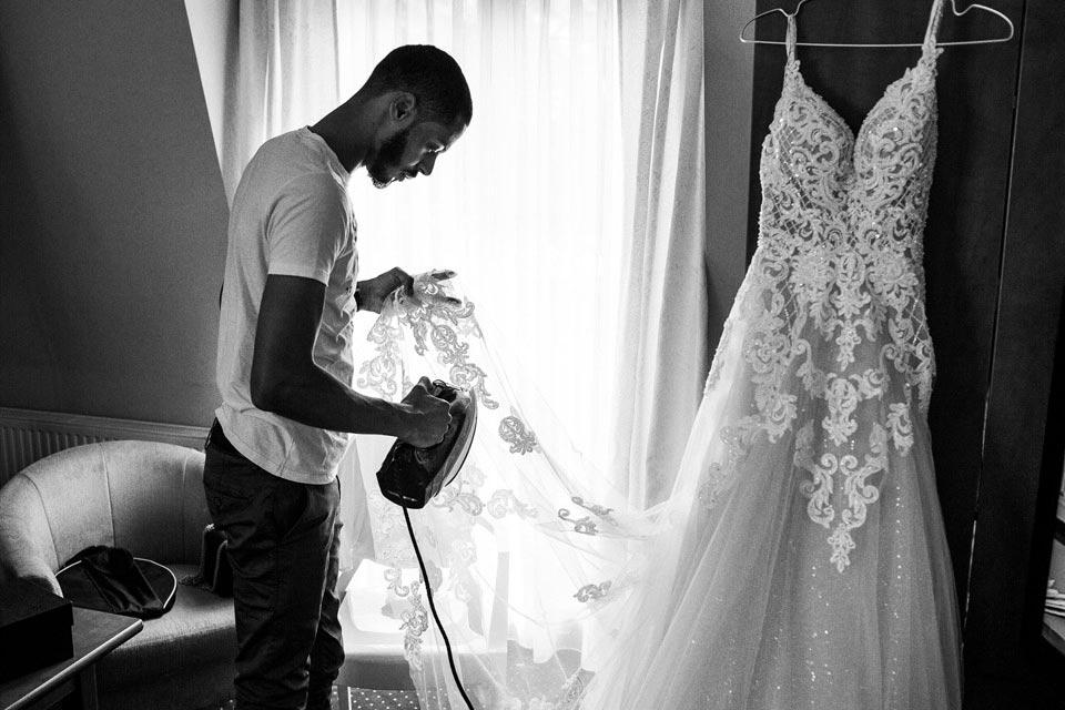 jak prasować suknie ślubną