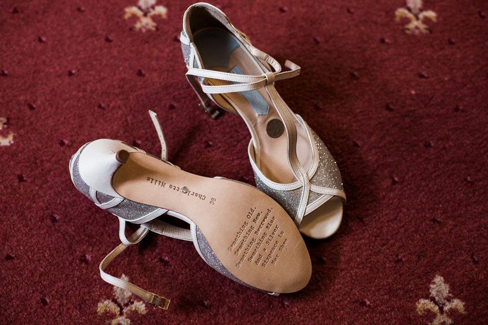 tradycyjne buty do ślubu