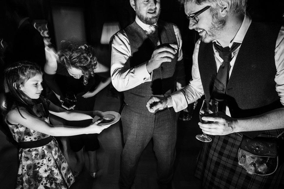 wódka i ogórek na weselu