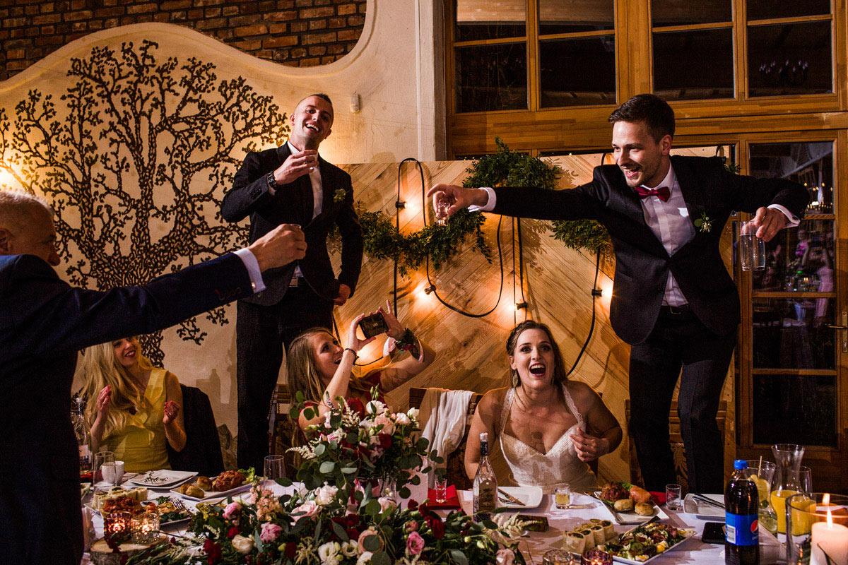 toast na weselu