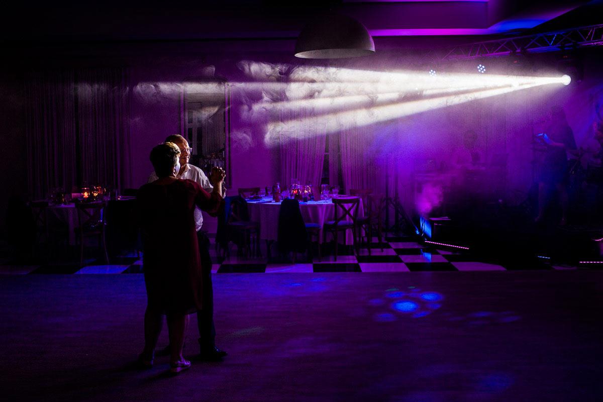 światło na weselu