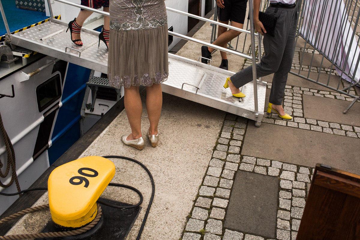 żółte buty