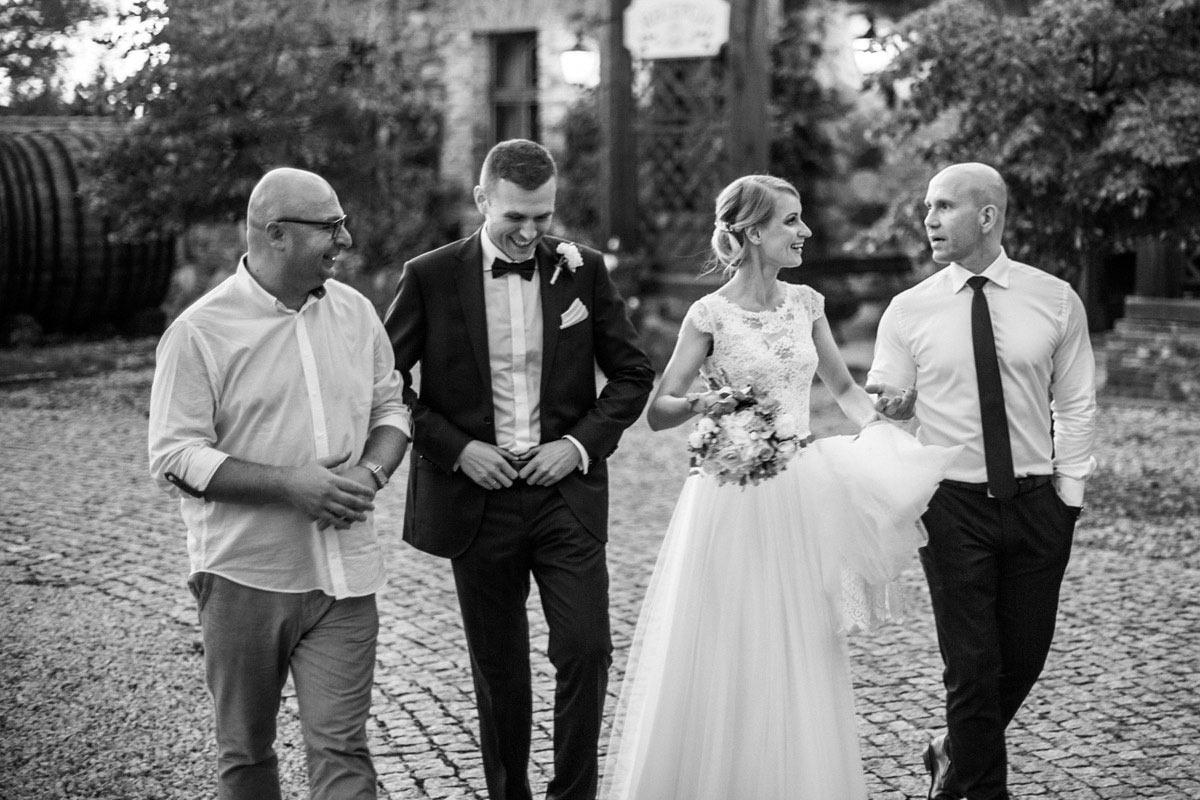 sesja ślubna w żabim dworze
