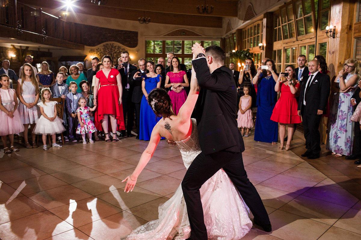 idealny ślub w plenerze