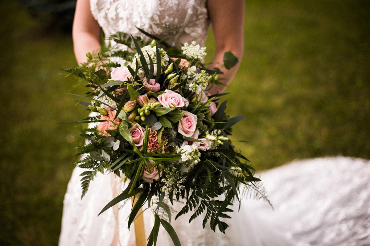 piękny ślub w plenerze
