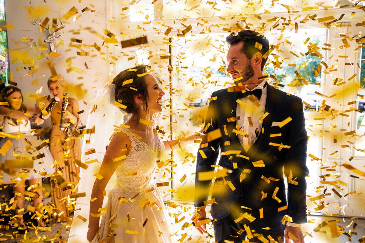 złote konfetti na wesele
